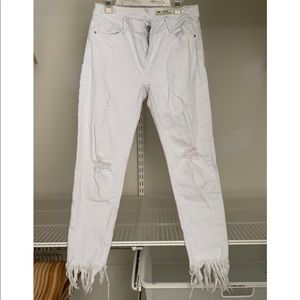 Low Rise Ankle Jeans w/ Fringe Ankle (Never Worn)